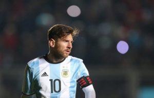 Маурисио Макри попросил Месси не уходить из аргентинской национальной сборной