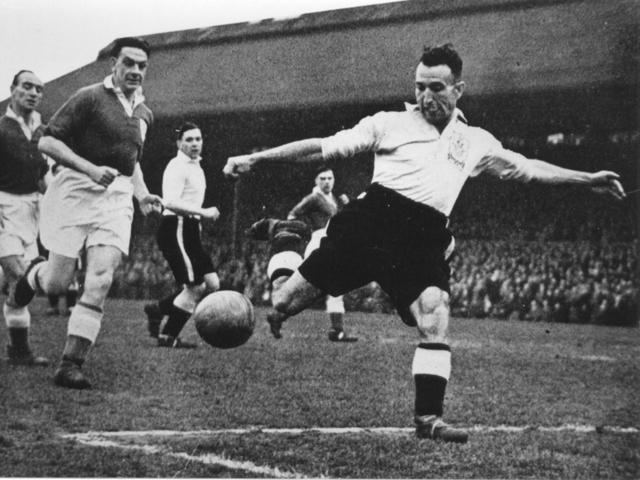 История возникновения и развития футбола