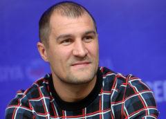 До грандиозной драки остались считанные дни – Ковалев вылетел в США на бой Альвареса против Головкина